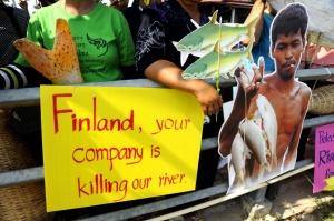 xaya.protest.09.sm_finland_0